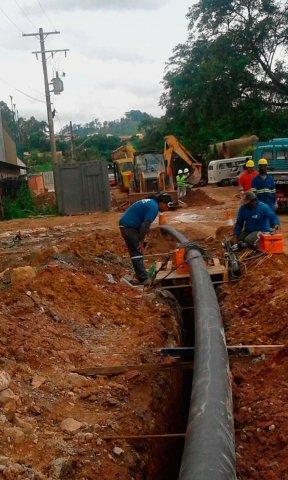 Manutenção de rede de água e esgoto